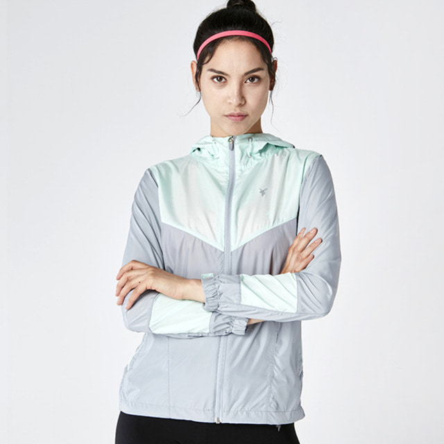AKIIICLASSIC WIND BREAKER GRAYMINT