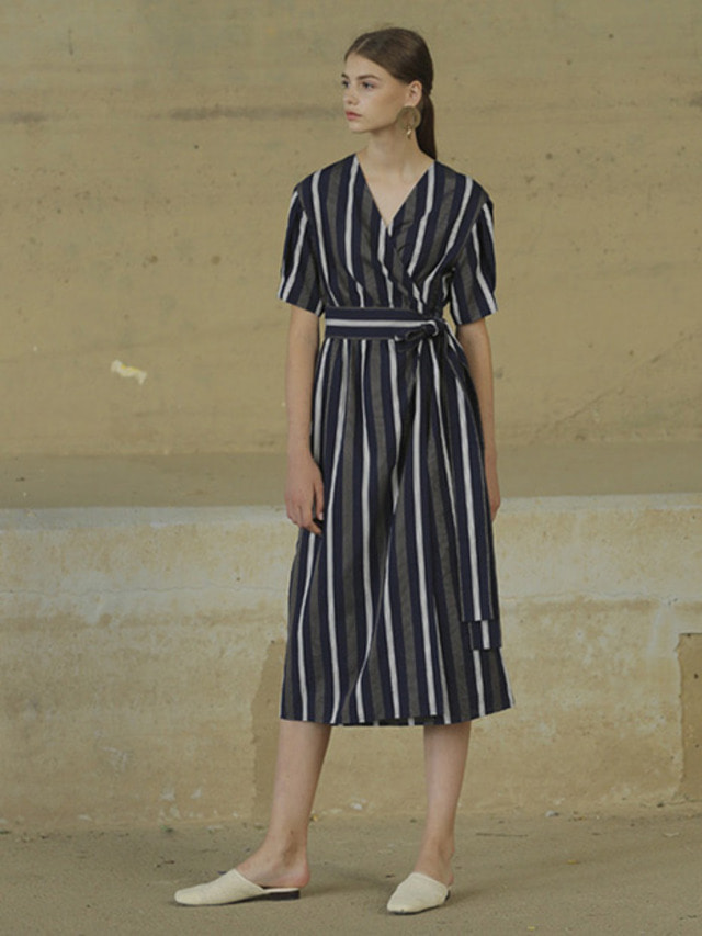 [MOHAN]WIDE BELTED WRAP DRESS NAVY